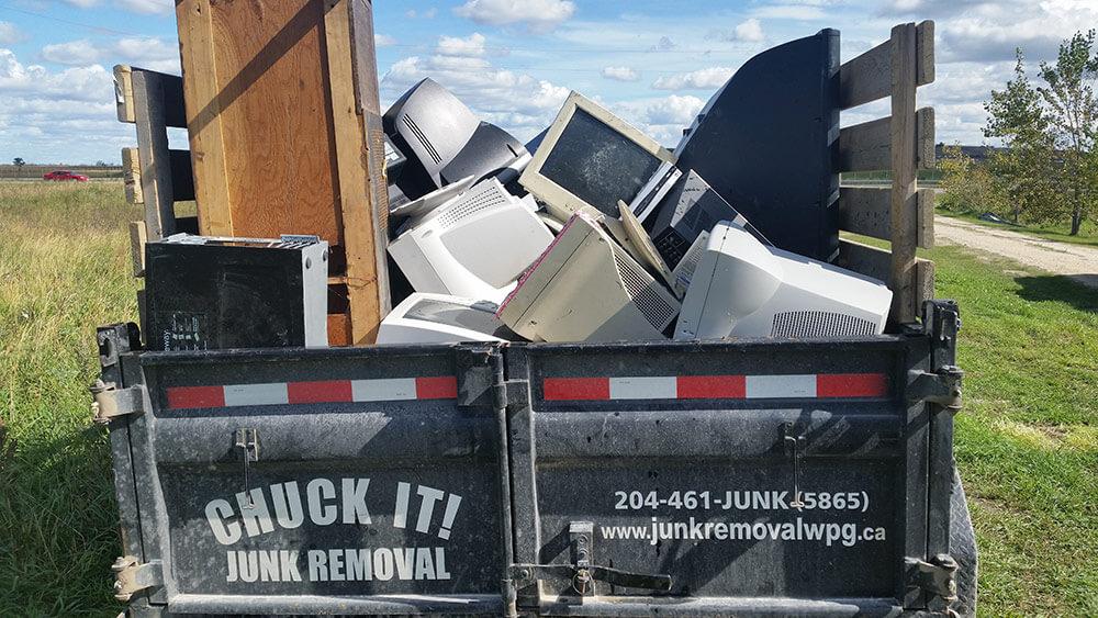 Old Electronics Recycling Pickup - Chuck It! Junk Removal - Junk Removal Winnipeg